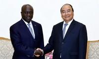 Премьер Вьетнама принял главу МИД Республики Кот-д'Ивуар
