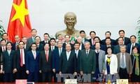 Nguyen Xuan Phuc invite les scientifiques à critiquer les politiques publiques