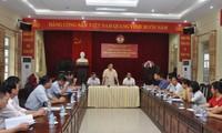 Trân Hông Hà inspecte les localités sinistrées à Yên Bai et Son La