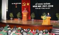 Nguyen Xuan Phuc à la rentrée scolaire de l'Académie de la Défense