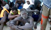 """UE: la situation """"épouvantable"""" de migrants en Libye """"ne peut pas durer"""""""