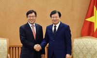 Trinh Dinh Dung reçoit le directeur général de Samsung Vietnam