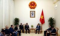Le président de la Fédération internationale des échecs reçu par Vu Duc Dam