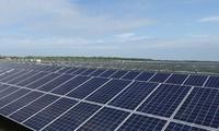 Macron annonce que la France va mieux promouvoir le solaire dans les pays émergents