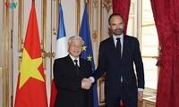 Entrevue entre le secrétaire général du PCV et le Premier ministre français
