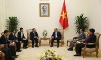 Le ministre laotien de l'Energie et des Mines reçu par le Premier ministre vietnamien