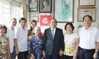 Le Premier ministre rend visite aux familles de morts pour la Patrie
