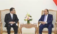 Nguyên Xuân Phuc reçoit le président l'Alliance des députés d'amitié Japon-Mékong