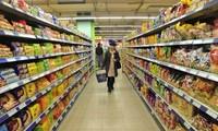 Des marchandises vietnamiennes dans les rayons de grandes surfaces étrangères