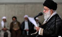 """Ali Khamenei: """"il n'y aura pas de guerre, ni de négociations avec les États-Unis"""""""
