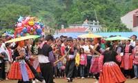 La fête de l'indépendance façon Mông