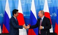 Vladimir Poutine propose à Shinzo Abe de conclure un traité de paix d'ici la fin de l'année