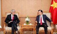 Trinh Dinh Dung encourage la coopération entre entreprises vietnamiennes et françaises