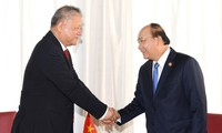 Nguyên Xuân Phuc reçoit des hommes d'affaires indonésiens