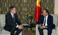Nguyên Xuân Phuc rencontre l'ancien ministre belge des AE