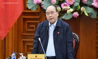 Nguyên Xuân Phuc préside une réunion sur le glissement de terrain dans le Centre