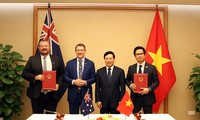 Le ministre en chef du territoire du Nord d'Australie reçu par Pham Binh Minh