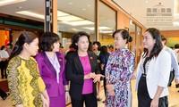 Nguyên Thi Kim Ngân reçoit des députées