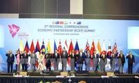 Nguyên Xuân Phuc au sommet des pays négociant le RCEP