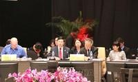 Pham Binh Minh à la conférence interministérielle des Affaires étrangères et de l'économie de l'APEC