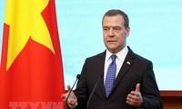 Le Premier ministre russe termine sa visite au Vietnam