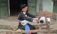 Le tissage traditionnel des Cao Lan de Khe Nghè