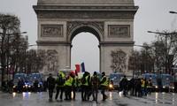 """Gilets jaunes, acte 5"" : 66.000 manifestants en France"