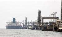 Dédollarisation: l'Iran vendra du pétrole en monnaie nationale