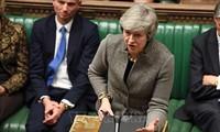 Les députés britanniques rejettent massivement l'accord sur le Brexit