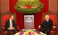 Nguyên Phu Trong reçoit le président du Sénat australien
