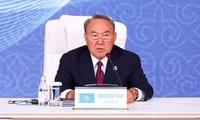 Kazakhstan: le président, déçu des résultats économiques, limoge son gouvernement