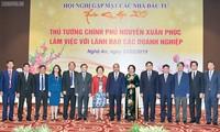 Nghê An: le Premier ministre reçoit de grands investisseurs