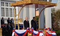 La presse laotienne met l'accent sur la portée historique de la visite officielle de Nguyên Phu Trong au Laos