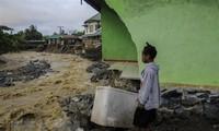 Près de 80 morts à la suite de pluies torrentielles en Indonésie