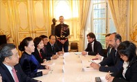 Nguyên Thi Kim Ngân rencontre le Premier ministre français