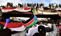 """Au Soudan, le mouvement de contestation exige un gouvernement civil """"immédiatement"""""""