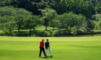 Trump au golf avec le Premier ministre japonais avant les discussions formelles