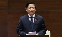 Assemblée nationale: Nguyên Van Thê répond aux questions des députés