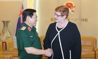 Le chef de la diplomatie australienne rencontre le ministre vietnamien de la Défense
