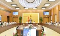 Uông Chu Luu rencontre des membres de l'Association d'amitié Vietnam-Russie