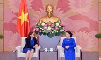 Rencontre de la Commissaire européenne au commerce avec des dirigeantes vietnamiennes