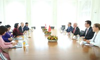 La vice-présidente vietnamienne rencontre le président suisse