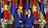 Entretien entre Nguyên Xuân Phuc et son homologue arménien