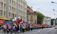 Warszawa, xuống đường biểu tình tuần hành lần hai phản đối Trung Quốc