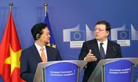 Thủ tướng Nguyễn Tấn Dũng: Việt Nam muốn thúc đẩy quan hệ đối tác toàn diện với EU