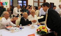 Họp mặt những người tham gia hoạt động ở Hội nghị Paris về Việt Nam
