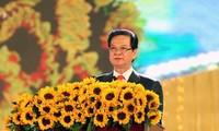 Thủ tướng Nguyễn Tấn Dũng dự lễ mít tinh kỷ niệm 30/4 tại Cần Thơ