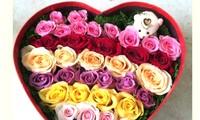 Ngày Lễ tình nhân: hoa hồng và socola cho ai...