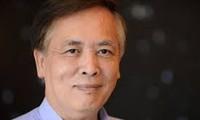 Giáo sư Trịnh Xuân Thuận gặp gỡ và ký tặng sách Số phận của vũ trụ