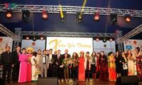 Cộng đồng người Việt tại Cộng hòa Liên bang Đức tưng bừng đón Xuân Đinh Dậu